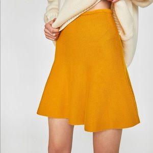 Zara New Knit A lime Mini skirt, NWT. Mustard